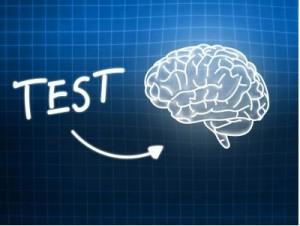 Die Unfähigkeit mit IQ Test die Leistung vorherzusagen führt bei Lehrkräften zu Zweifeln an dem IQ Test, anstatt zur wissenschaftliche Information über die Multikausalität von Leistung.
