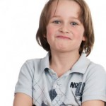 Selbstbewußtes Mädchen - es wird sich bei den typischen Passungsstörungen der hochbegabten Kinder und Jugendlichen als sehr durchsetzungsbewußt erweisen.