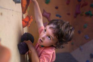 Ein Kind, das Leistung erbringen will. Aspekte der Leistungsmotivation sind für die Hochbegabtenförderung wichtig und werden in der Beratung des IGL in den Mittelpunkt gestellt.