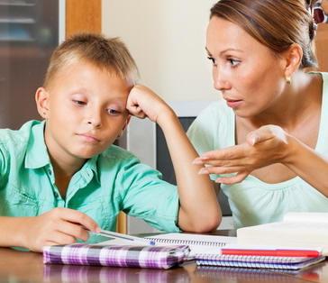 Durch Unterforderung bzw. Underachievement kann ein hochbegabtes Kind schnell zu einem Problemkind werden, da sich das hochbegabte Kind beginnt in der Schule zu langweilen.